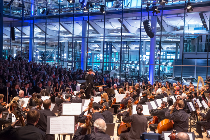 <b>Dresden, May 14, 2013, 8:10PM:</b> Show time. Christopher Rouse's <i>Prospero's Rooms</i> opens the evening's highly anticipated concert, Webcast live on medici.tv, at Volkswagen's Transparent Factory.