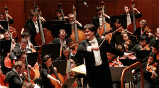 Alan Gilbert conducts the Juilliard Orchestra