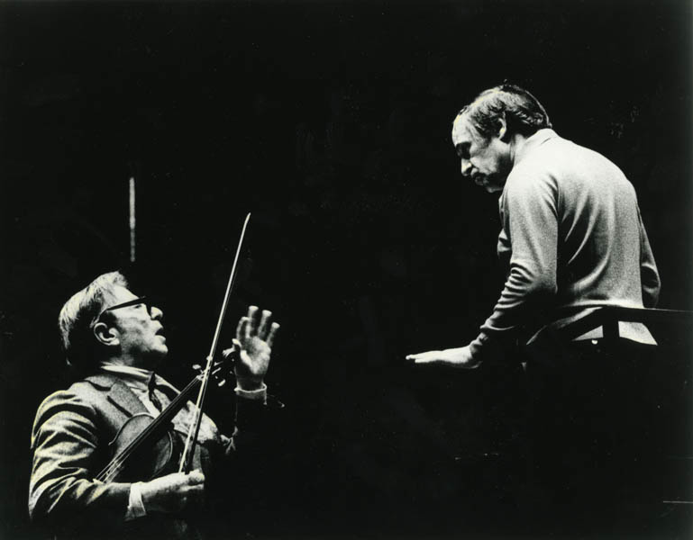 Boulez did not limit himself to contemporary music. He was joined by the likes of Nathan Milstein, here seen with Boulez in a rehearsal of Brahms's Violin Concerto for a 1976 Pension Fund Benefit Concert.