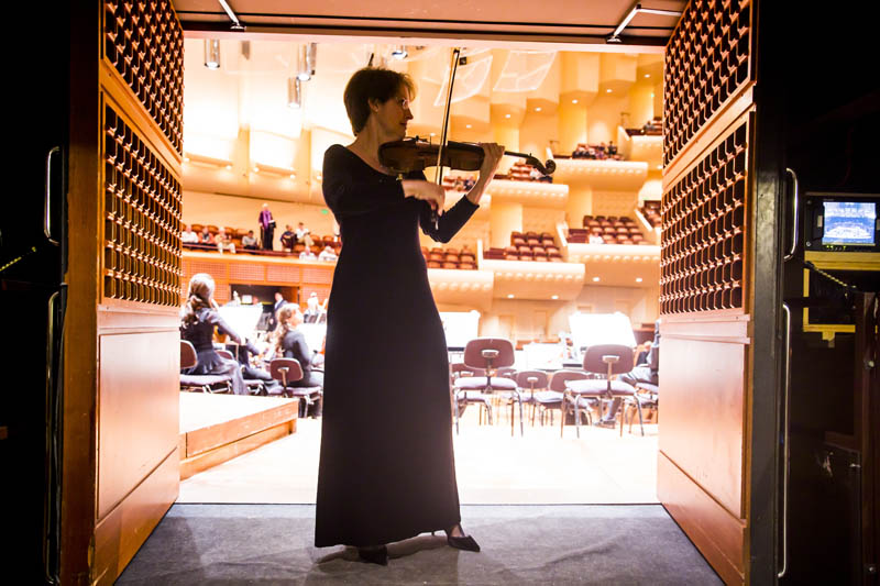 <b>San Francisco, Saturday, May 7, 2016, 7:40PM:</b> The next evening, Principal Associate Concertmaster Sheryl Staples cuts a striking figure warming up on the cusp of the stage.