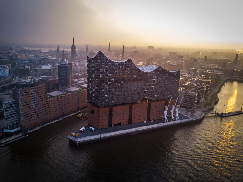 <b>Hamburg, April 3, 2017, 6:51AM:</b> The New York Philharmonic has arrived in Hamburg — the eighth stop on the EUROPE / SPRING 2017 tour — for back-to-back performances at the acclaimed new Elbphilharmonie Hamburg, built on a former warehouse on the Elbe River. All photos by Chris Lee.